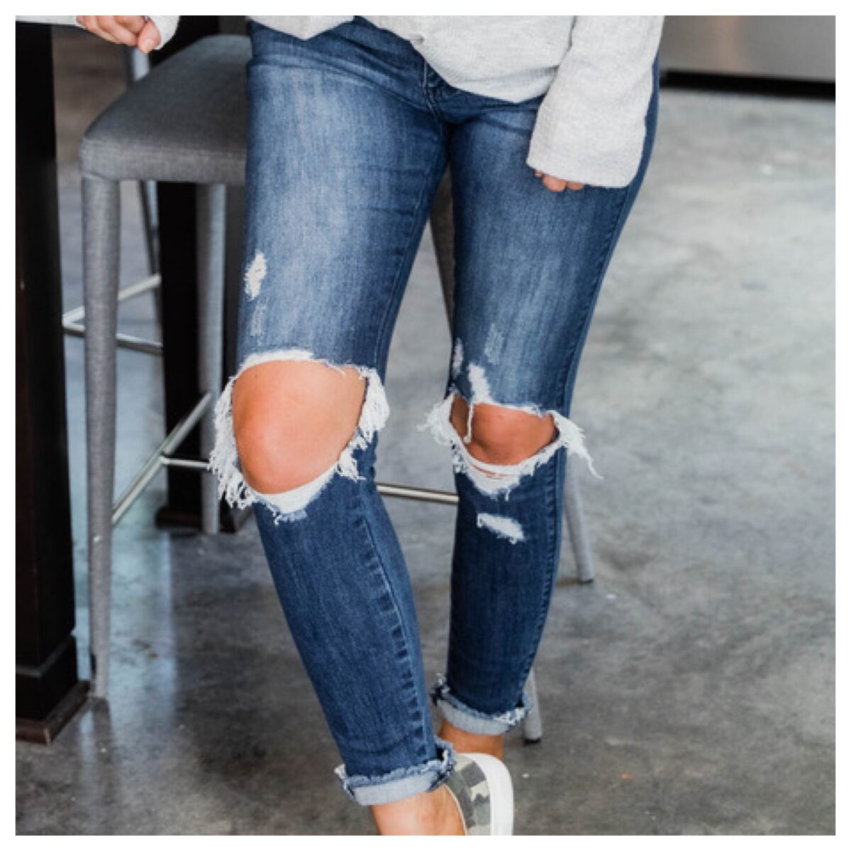 THE PORCH HIGH RISE JEANS